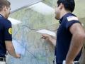 Auf der großen Landkarte im Dispatch Raum können sich die Schüler die Flugroute genau ansehen.